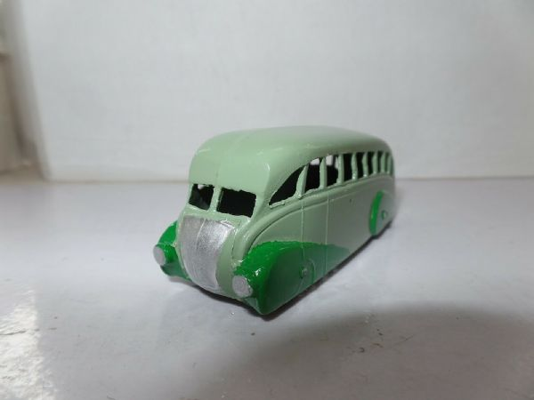Dinky 29B Streamlined Bus Post War Light & Dark Green UB